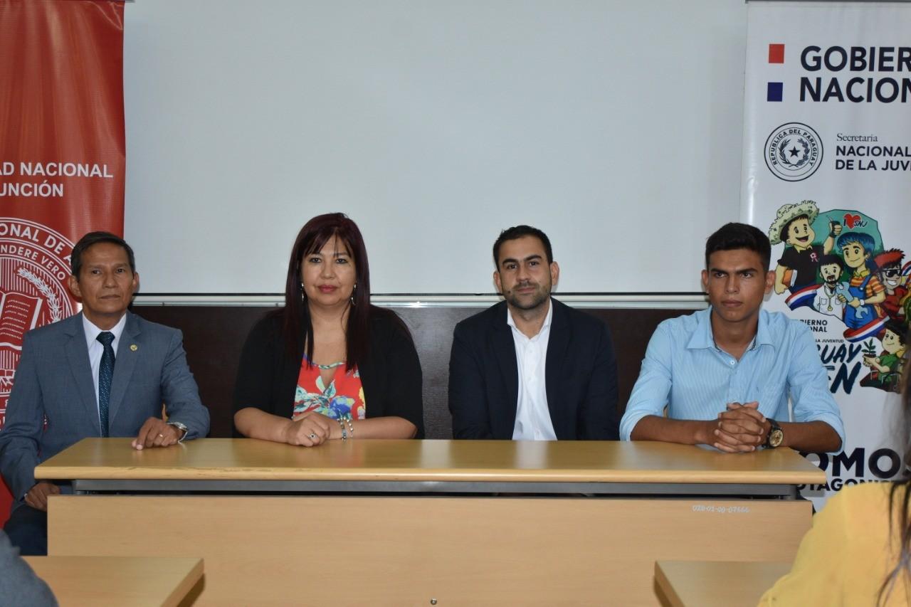 Ministerio de la Juventud dona equipos informáticos a CEUNIRA