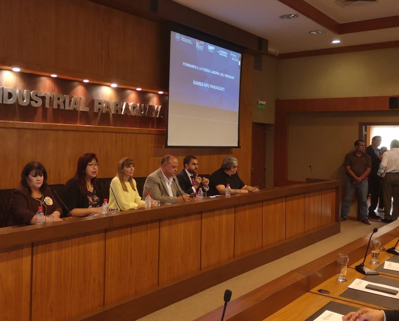 Rectora ratifica compromiso de la UNA con formar a los mejores profesionales
